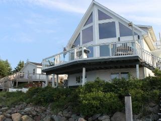 Lakeside Seniors Cottage - Saint Peter's vacation rentals