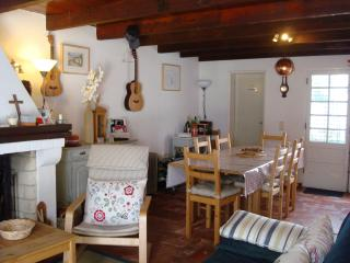 Quaint Village House Near Azeitao, sleeps 4 - Azeitao vacation rentals
