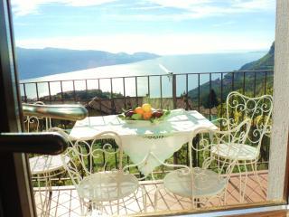 2 bedroom Villa with Internet Access in Tignale - Tignale vacation rentals