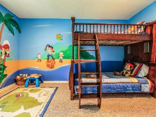 Half-mile to Disneyland w/ pool, hot tub, & Ping-Pong table! - Anaheim vacation rentals