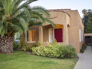 Colorful, dog-friendly cottage in Eagle Rock, great for families! - Los Angeles vacation rentals