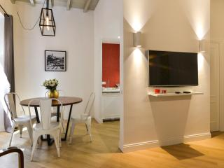 Pantheon Luxury Design Apt 10Pax - Rome vacation rentals