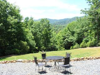 """Blue Ridge Beauty"" - Memorial Day Weekend Available! - Deep Gap vacation rentals"