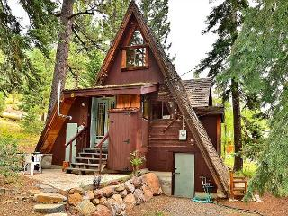 2BR Squaw Valley Classic A-Frame 1 Mile from Slopes, Village, Spas - Olympic Valley vacation rentals