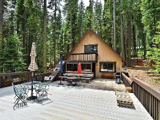 2BR/1BA Classic Rustic West Shore Cabin, Big Sky and Views, Sleeps 5 - Homewood vacation rentals