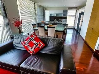 Marvelous 2 Bedroom Apartment in Santa Barbara - Bogota vacation rentals