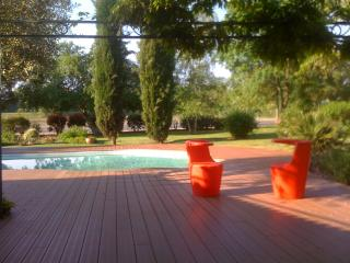 Bright 6 bedroom Bergerac House with Dishwasher - Bergerac vacation rentals