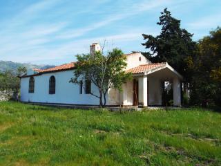 casetta bianca in campagna alle porte del Gargano - Monte Sant'Angelo vacation rentals