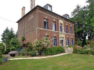Maison de charme près de Pont l'Eveque - Hermival-les-Vaux vacation rentals