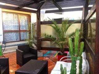 Studio avec terrasse dans résidence avec piscine - Perpignan vacation rentals