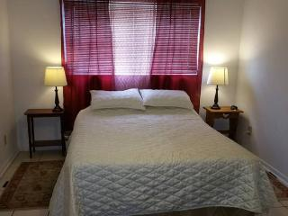 2 Bedroom Apartment Close to Beach and Amenities. - Cape Canaveral vacation rentals