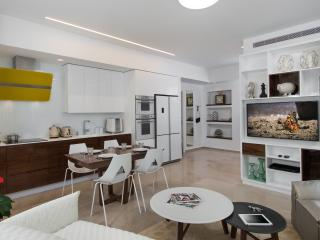 LUXURY BAUHAUS! 2 MIN WALKING FROM THE BEACH! - Tel Aviv vacation rentals