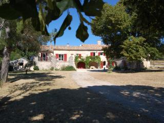 Nice House with Internet Access and Satellite Or Cable TV - Saint Christol vacation rentals