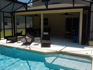 Cozy 3 Bedroom with swimming pool - Clearwater vacation rentals