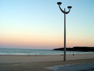 Maroubra Luxury. Close to Beach Airport City HUGE 4 bedrooms, sleeps 12!! - Maroubra vacation rentals
