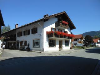3 BR-apt.  Veronika 1420. sqft /Garmisch 20 km B+B - Unterammergau vacation rentals