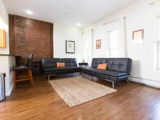LUXURIOUS NYC 2 BEDROOM FLAT! - New York City vacation rentals