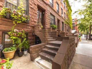 Modern Studio Apartment Historic Harlem Brownstone - New York City vacation rentals