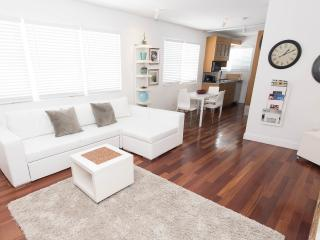 SoBe The Retreat Apartment  1 BEDROOM SLEEP 4 - Miami Beach vacation rentals