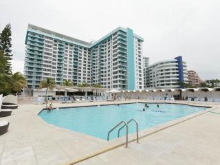 WATER VIEW 2BR+2BR OCEANFRONT MIAMI BEACH - Miami Beach vacation rentals