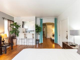 Large condo! Sleeps 8. 2 bathrooms! - Miami Beach vacation rentals