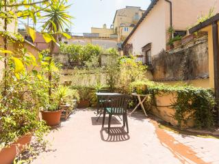 Spanish Steps quiet apartment with large terrace - Rome vacation rentals