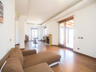 Inromeholidayhouse - Rome vacation rentals