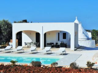 Perfect House with Cleaning Service and Outdoor Dining Area in Ostuni - Ostuni vacation rentals
