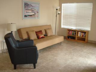 Comtemporary - Modern Spacious Tempe Condo - Tempe vacation rentals