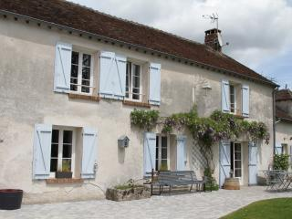 Nice Guest house with Internet Access and Porch - Guerard vacation rentals