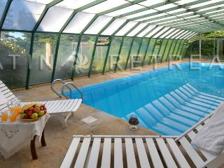 4 BEDROOM (H1) Indoor Pool downtown Bariloche!!! - San Carlos de Bariloche vacation rentals