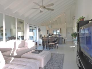 Beach condo with sunset view - Seven Mile Beach vacation rentals