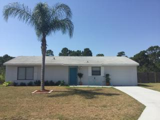 3br/2br..Minutes from the beach - Sebastian vacation rentals