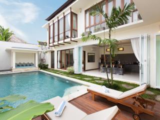Seminyak Center 4 Bedrooms Villa - Seminyak vacation rentals