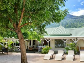 Charming beachfront villa for 6 persons - Riviere Noire vacation rentals