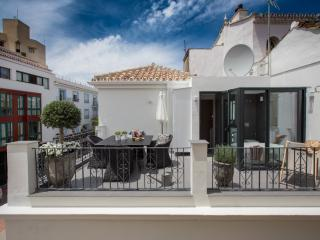 2 bedroom House with Internet Access in Marbella - Marbella vacation rentals