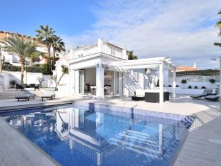 Gorgeous Villa with Private Outdoor Pool and A/C - Marbella vacation rentals