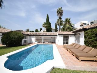 6 bedroom Villa with Private Outdoor Pool in Marbella - Marbella vacation rentals