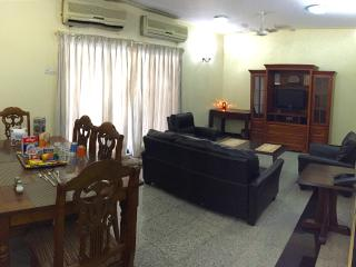 Centrally Located 3 Bed Room Apartment - Mumbai (Bombay) vacation rentals