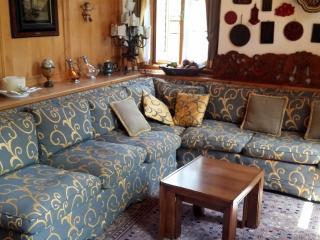 Villa Podar -eleganza e comodità in zona centrale - Cortina D'Ampezzo vacation rentals