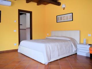 Romantic 1 bedroom Townhouse in Trezzano sul Naviglio - Trezzano sul Naviglio vacation rentals