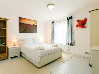 Boutique Fishermans Cottage in Deal, Kent, England - Deal vacation rentals