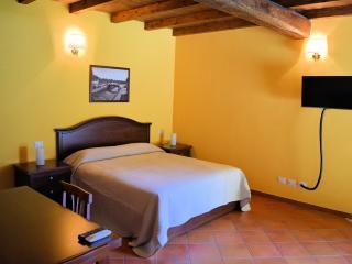 Cozy 1 bedroom Trezzano sul Naviglio Townhouse with Internet Access - Trezzano sul Naviglio vacation rentals