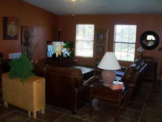 Bright 3 bedroom Angel Fire Chalet with Internet Access - Angel Fire vacation rentals