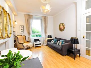 Beautiful Old Merchant House in Central Edinburgh - Edinburgh vacation rentals