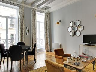 Elegant One Bedroom Buci St Germain GDT - Paris vacation rentals