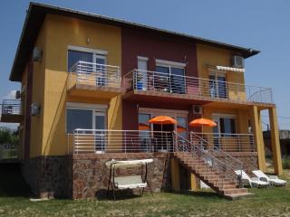 Bright 2 bedroom Bed and Breakfast in Sandanski with A/C - Sandanski vacation rentals