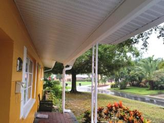 Comfortable Spcaious Home in the Heart of Paradise - Saint Petersburg vacation rentals