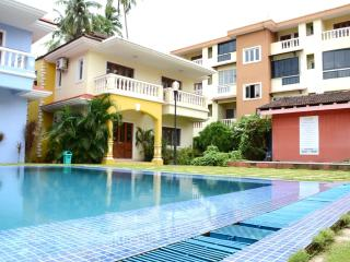 Perfect 3 bedroom Baga Villa with Garden - Baga vacation rentals