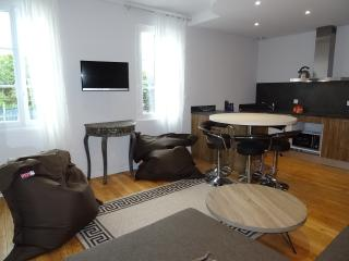 Appartement familial 5p centre Chartres avec Parking - Chartres vacation rentals